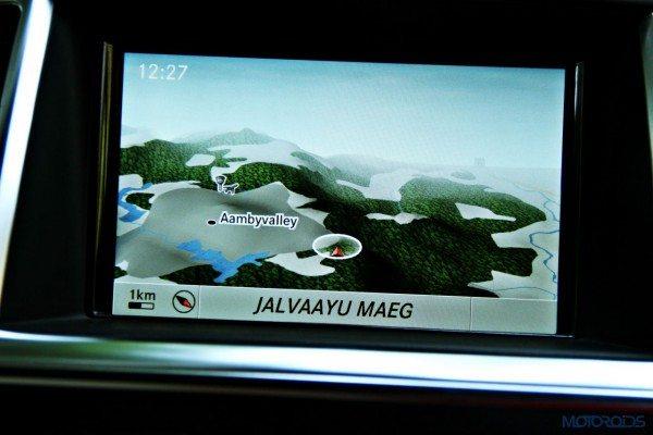 Mercedes-Benz ML 63 AMG navigation (129)