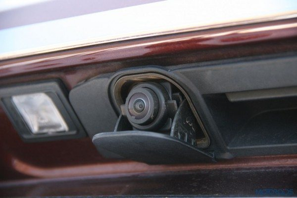 Mercedes-Benz ML 63 AMG pop-out rear camera (58)
