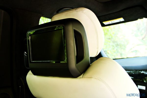 Mercedes-Benz ML 63 AMG rear seat entertainment system (104)