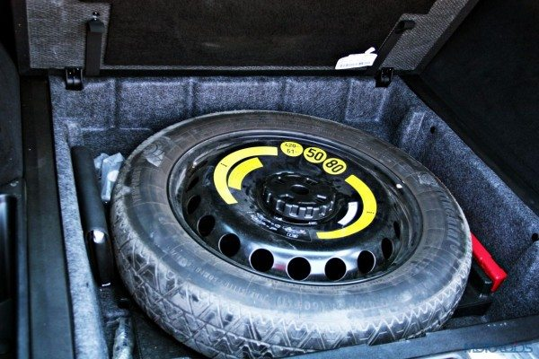 Mercedes-Benz ML 63 AMG spare tyre(51)