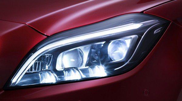 Mercedes-Benz Multibeam LED (1)