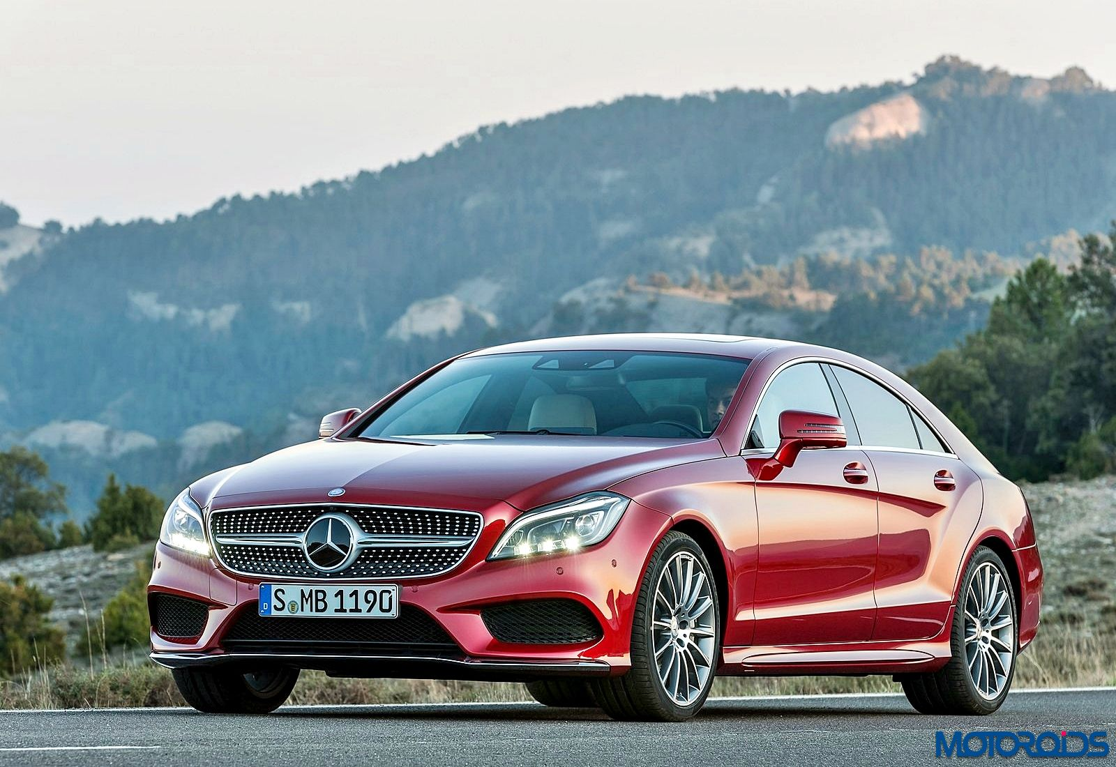 Mercedes benz apps with comand online launched in india for Mercedes benz online