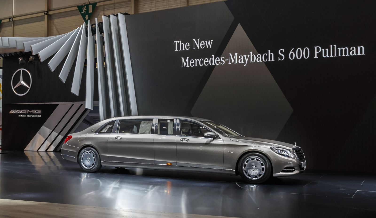 Mercedes maybach s600 pullman 4 for Mercedes benz royale 600 price