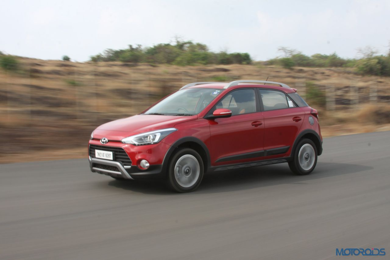 new hyundai i20 active front lhs 3 quarters in motion. Black Bedroom Furniture Sets. Home Design Ideas