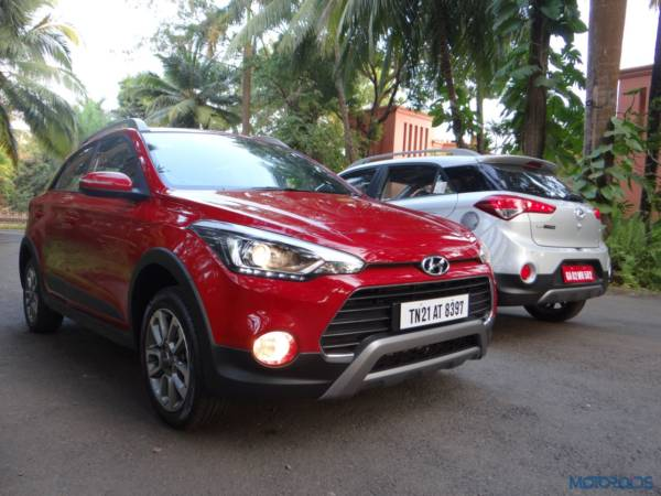 New Hyundai i20 Active side by side(181)