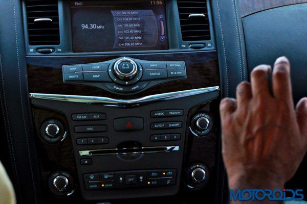 Nissan patrol interior (2)