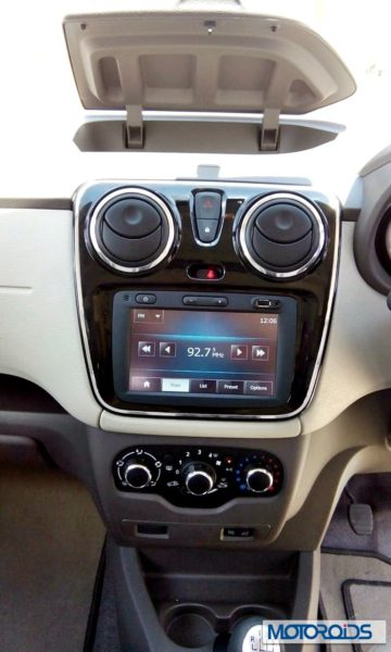 Renault Lodgy India touchscreen