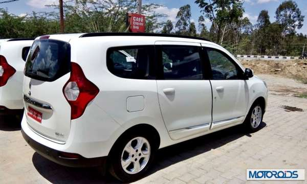 Renault Lodgy India white rear