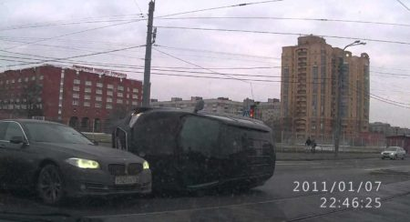VIDEO: BMW 5-Series gets hit by SUV in Russia; You wouldn't wanna be in the SUV