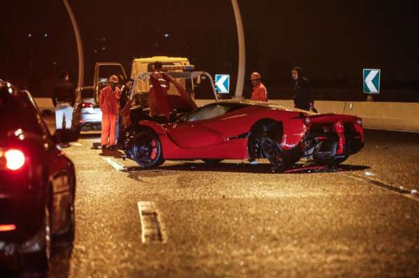 LaFerrari crash in Shanghai (1)