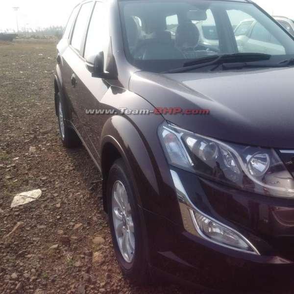 2015-Mahindra-XUV500-facelift-interior-spied-3