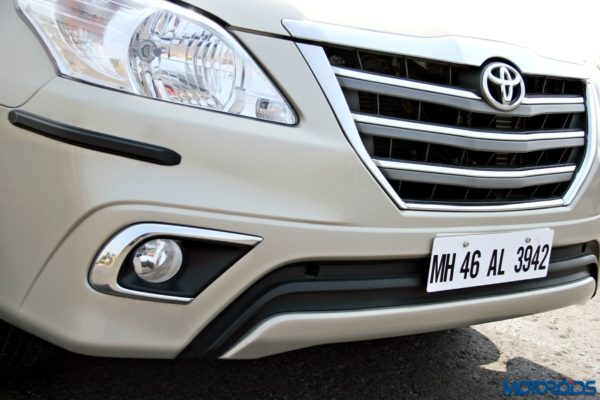 2015 toyota Innova front bumper and grille(32)
