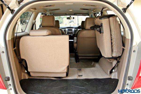 2015 toyota Innova split rear seat(73)