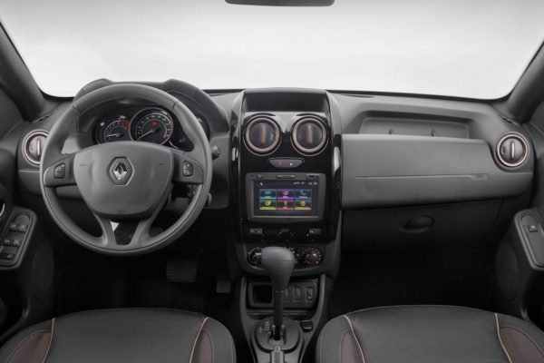 2016 Renault Duster face-lift dashboard