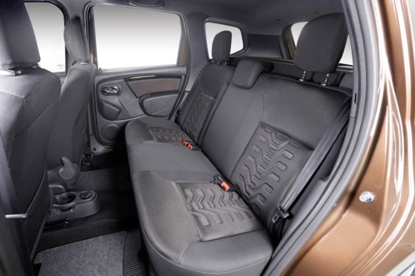 2016 Renault Duster face-lift rear seat