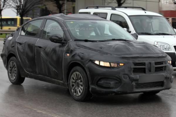 2017-Fiat-Linea-bravo-Spied-1