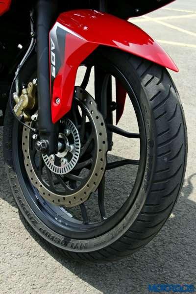 Bajaj-Pulsar-RS200-front-tyre (3)