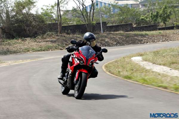 Bajaj-Pulsar-RS200-tracking-left (7)
