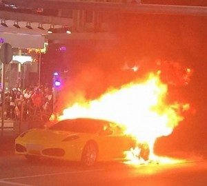 Ferrari F430 on fire (1)