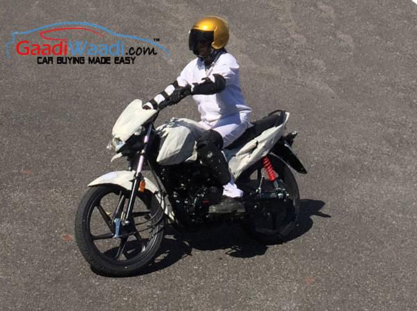 Honda-Tests-New-Motorcycle-2