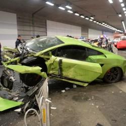 China : Lamborghini, Ferrari crash in high-speed street race