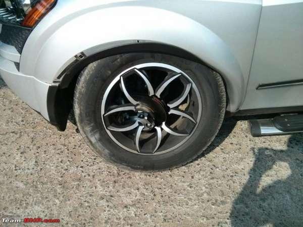 Mahindra XUV500 alloy wheel brakes (3)