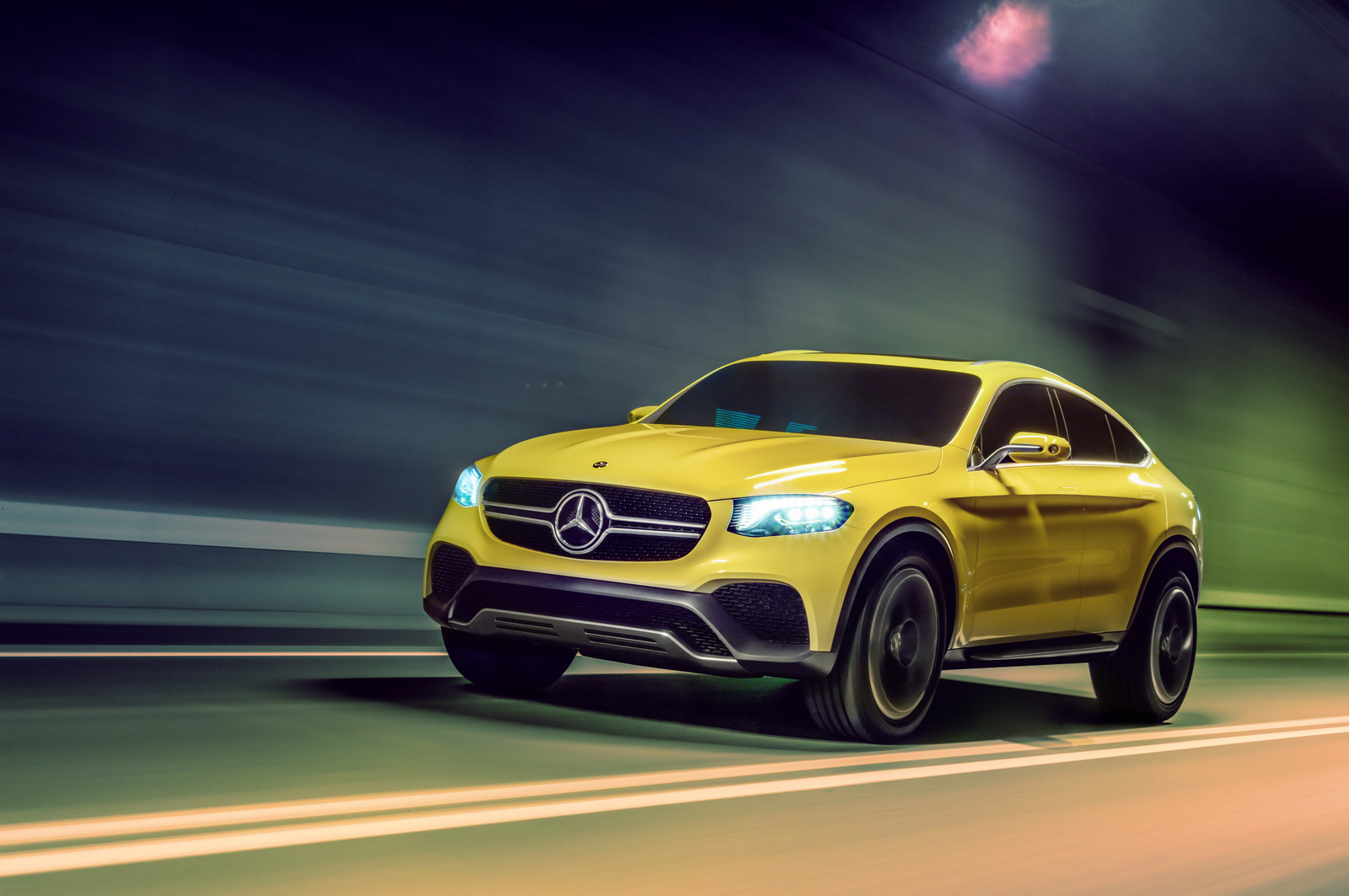 Official images mercedes benz glc coup study motoroids for Glc mercedes benz