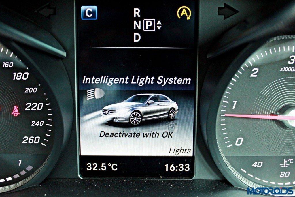 Mercedes C Class instrument screen (26)