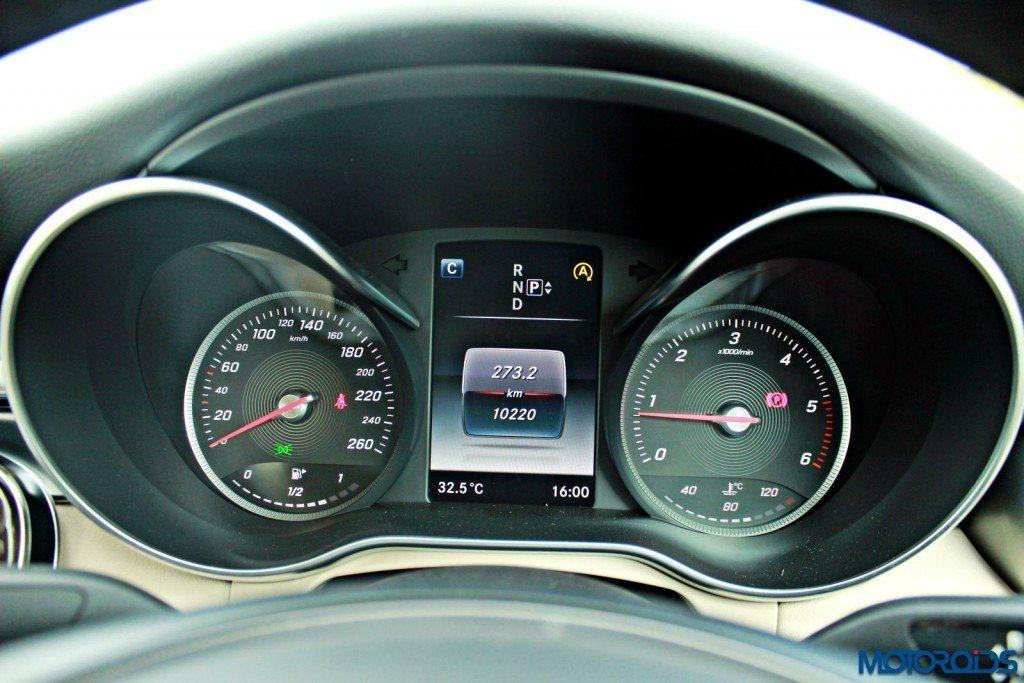 Nedw 2015 Mercedes C220 CDI instrument console (1)