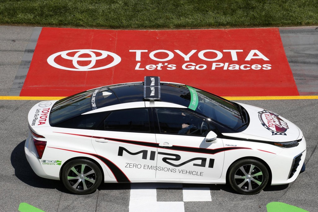 Toyota-Mirai-Pace-Car-nascar-1