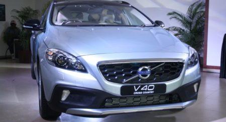 Volvo-V40-Cross-Country-India-Launch-Price-Pics-2-600x400