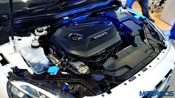 Volvo V40 Cross Country Petrol (15)