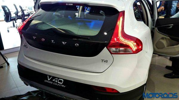Volvo V40 Cross Country Petrol (45)