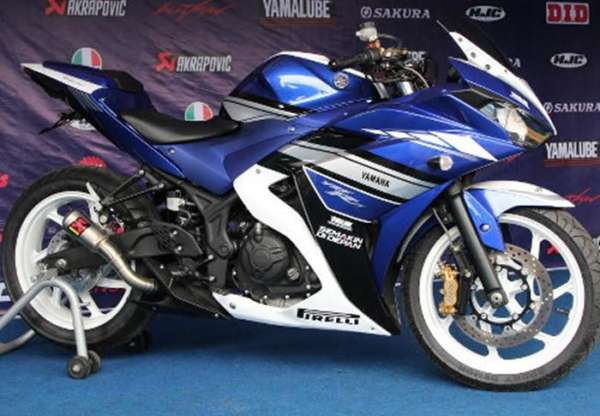 Yamaha-R25-Special-Edition-2015-Launched-in-Indonesia