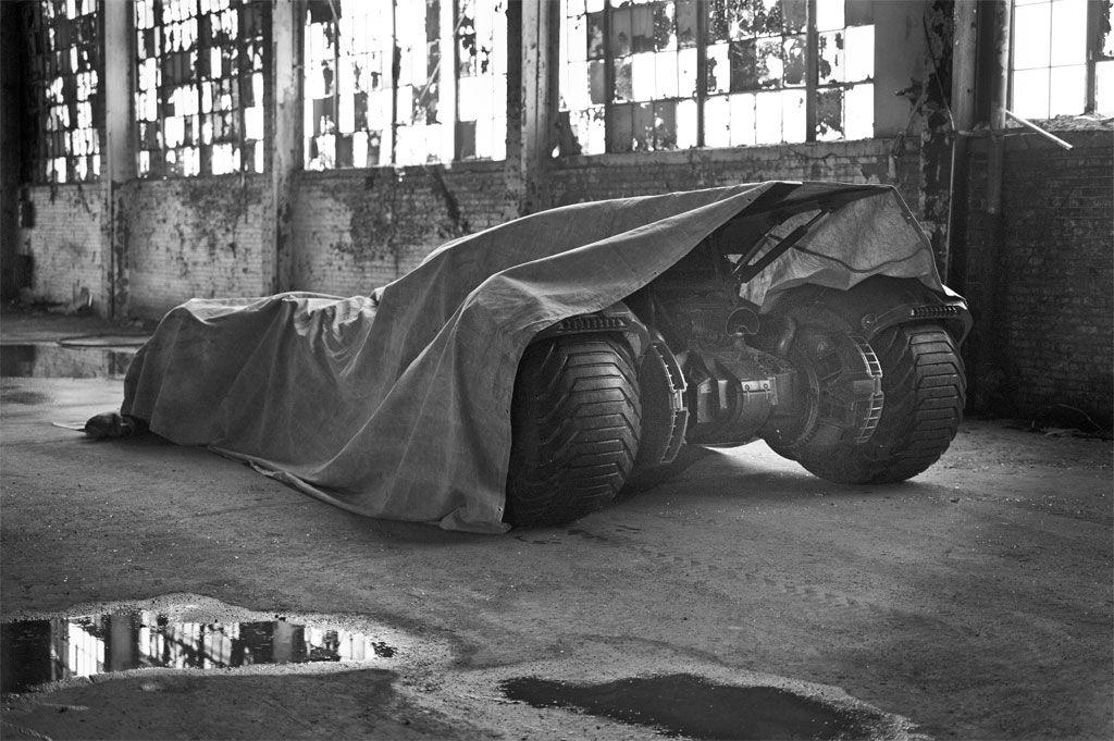 batmobile-zack-snyder-2
