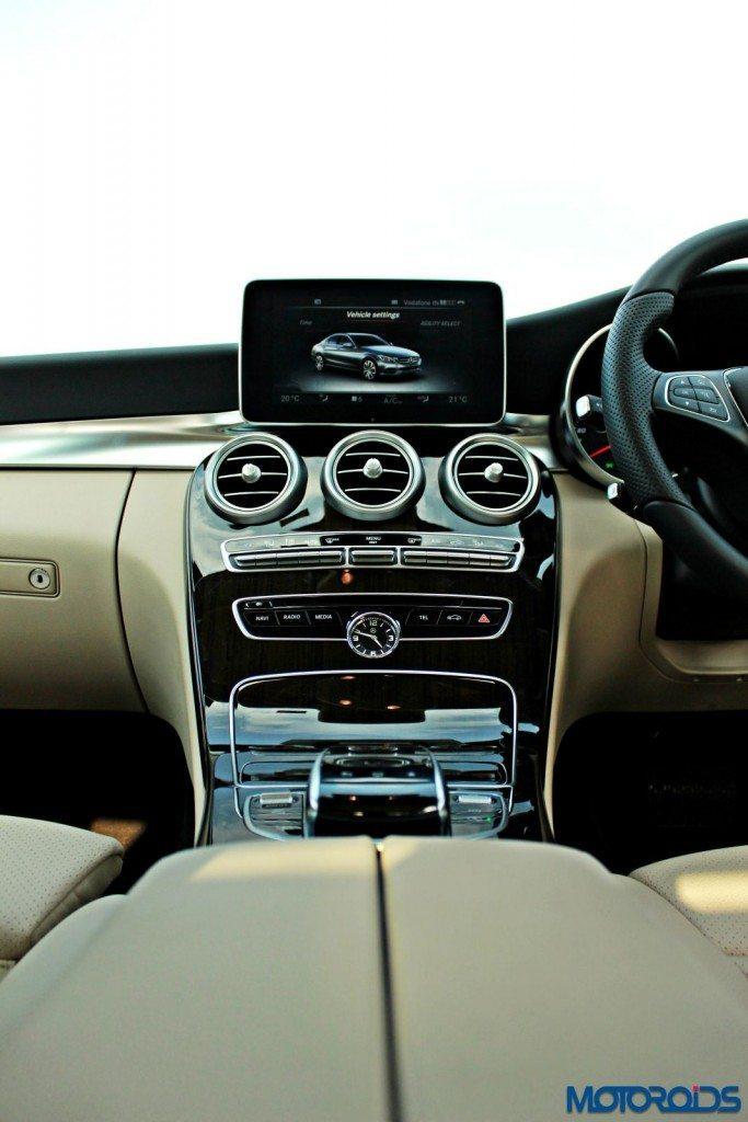 new 2015 Mercedes C Class interior (26)