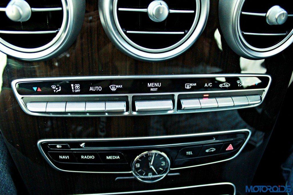 new 2015 Mercedes C Class interior (36)