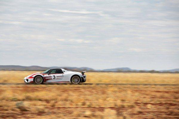 porsche-918-spyder-australian-outback-2
