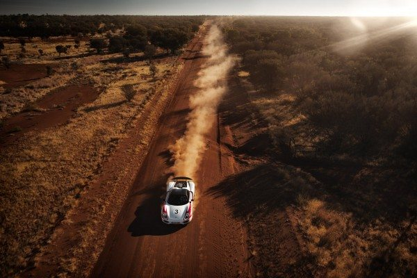 porsche-918-spyder-australian-outback-3