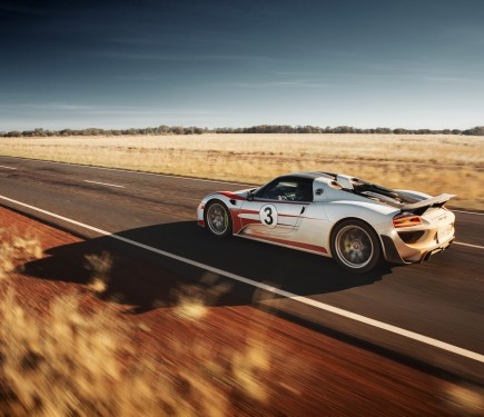 porsche 918 spyder gets another world first record. Black Bedroom Furniture Sets. Home Design Ideas