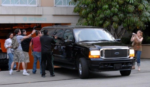 scientology-ford-excursion-going-clear-tom-cruise-1