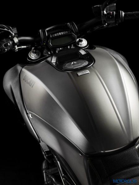 2015 Ducati Diavel Titanium (1)