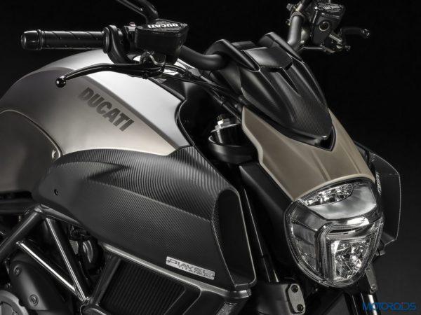 2015 Ducati Diavel Titanium (3)