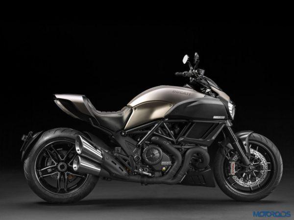 2015 Ducati Diavel Titanium (6)