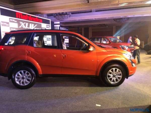 2015 Mahindra XUV500 car images (1)