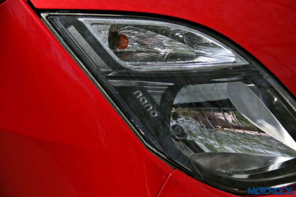 2015 Tata Nano GenX headlamp (2)