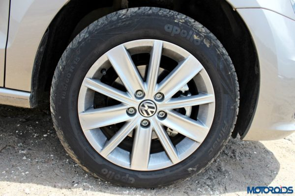 2015 Volkswagen Vento Alloy wheels(22)