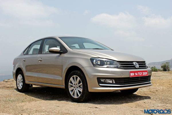 2015 Volkswagen Vento Front right three quarters(15)