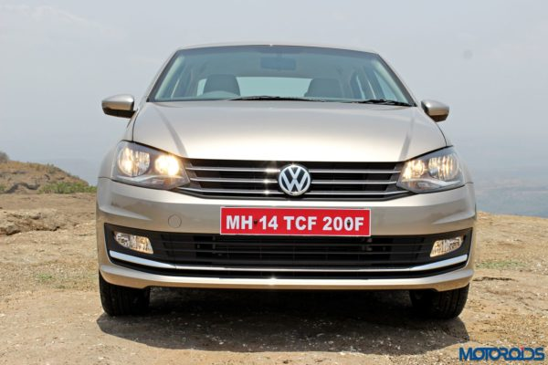 2015 Volkswagen Vento Head on view (28)