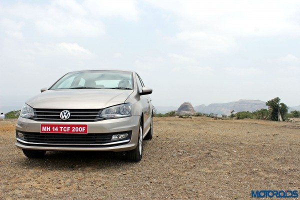2015 Volkswagen Vento Head on view(1)